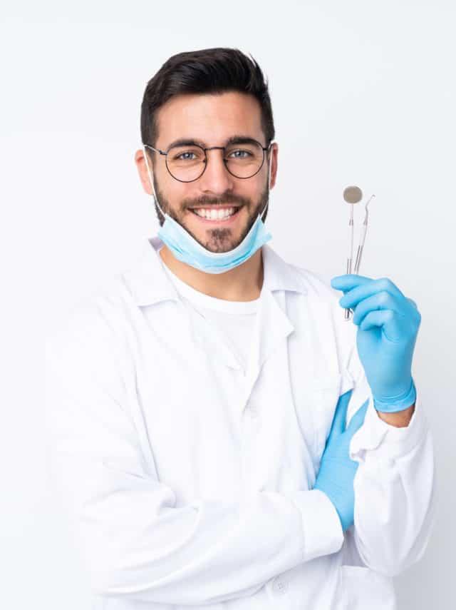 https://www.emergencydentistcharlottenc.com/wp-content/uploads/2020/09/emergency-dental-service-in-charlatton-640x855.jpg